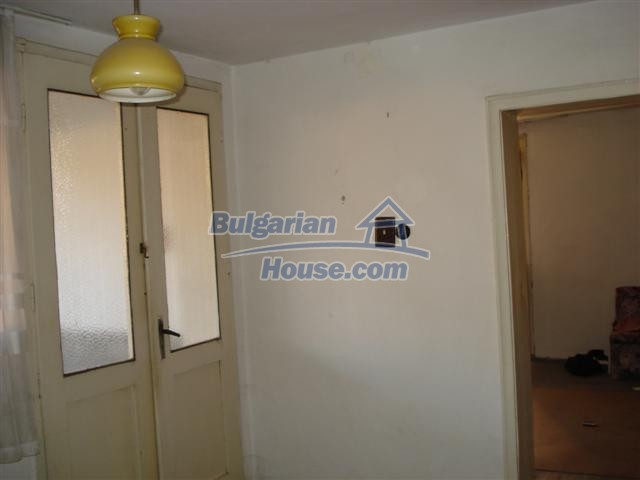 12812:20 - Brick Built house for sale at the center of Elhovo town