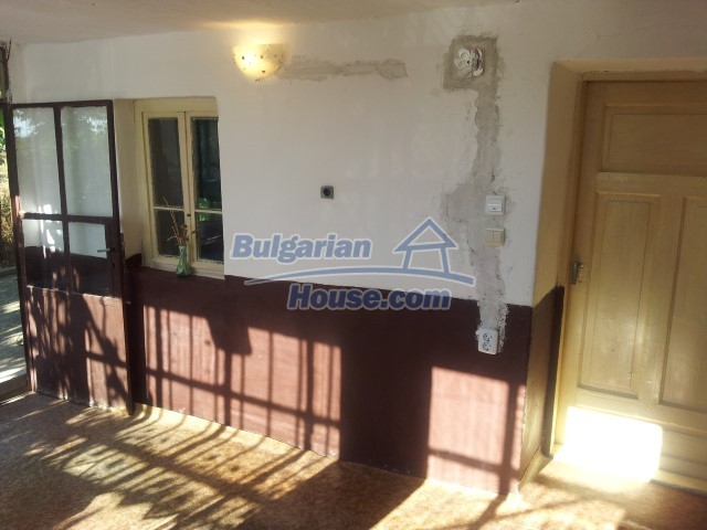 12813:12 - Partially renovated two storey Bulgarian house 20 km from Elhovo