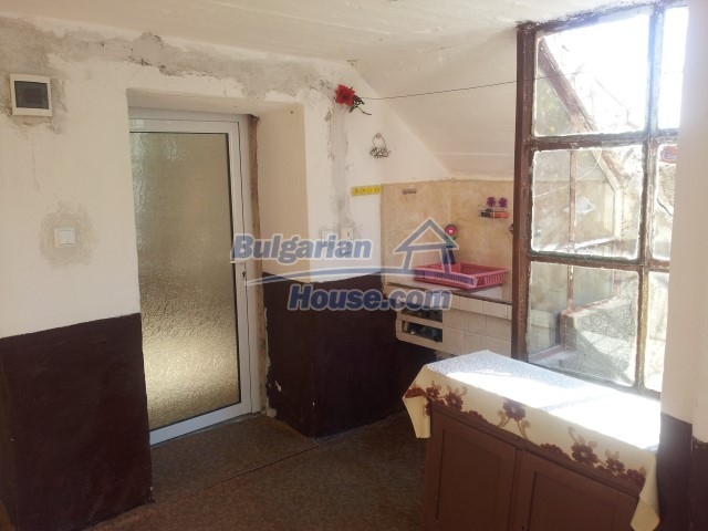 12813:11 - Partially renovated two storey Bulgarian house 20 km from Elhovo