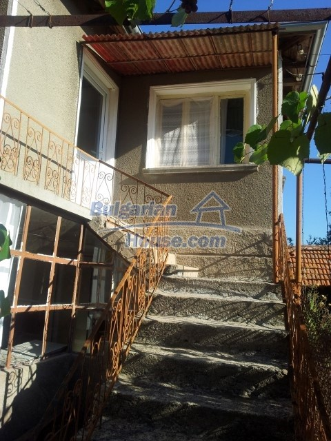 12813:34 - Partially renovated two storey Bulgarian house 20 km from Elhovo
