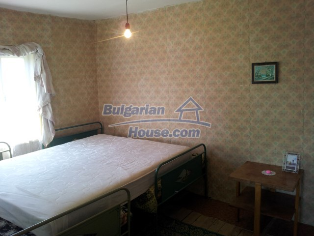12813:41 - Partially renovated two storey Bulgarian house 20 km from Elhovo