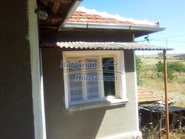 12813:56 - Partially renovated two storey Bulgarian house 20 km from Elhovo