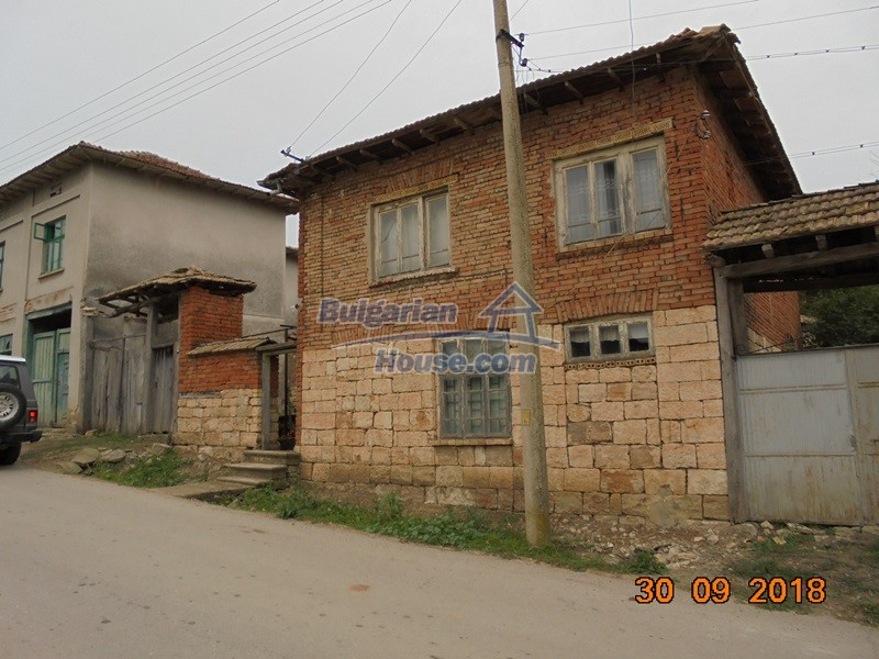 12814:1 - Exceptional offer - cheap Bulgarian house good condition Popovo