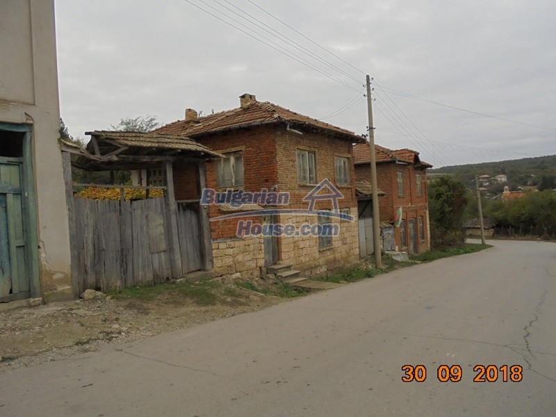 12814:3 - Exceptional offer - cheap Bulgarian house good condition Popovo