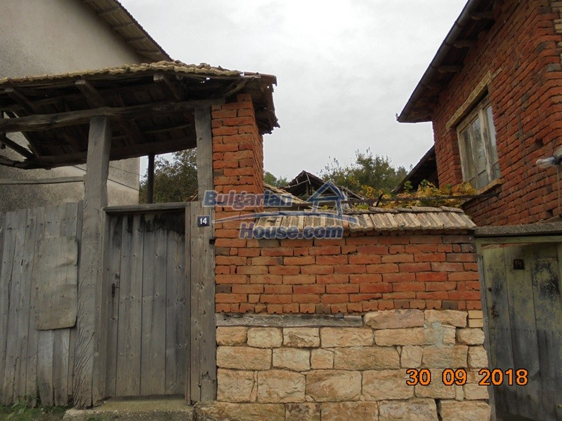 12814:4 - Exceptional offer - cheap Bulgarian house good condition Popovo