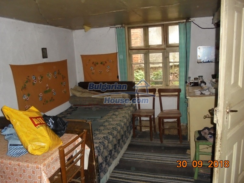 12814:9 - Exceptional offer - cheap Bulgarian house good condition Popovo
