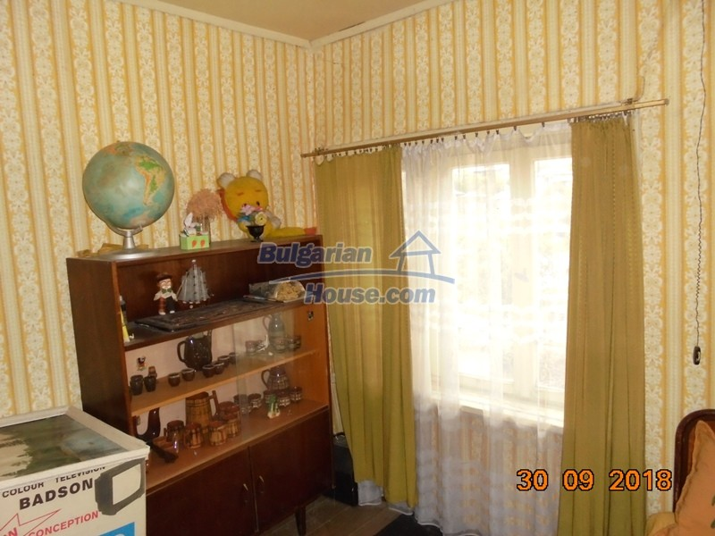 12814:14 - Exceptional offer - cheap Bulgarian house good condition Popovo