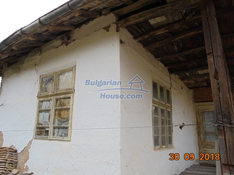 12814:5 - Exceptional offer - cheap Bulgarian house good condition Popovo