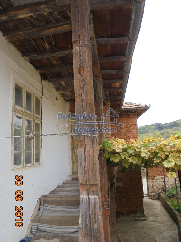 12814:6 - Exceptional offer - cheap Bulgarian house good condition Popovo