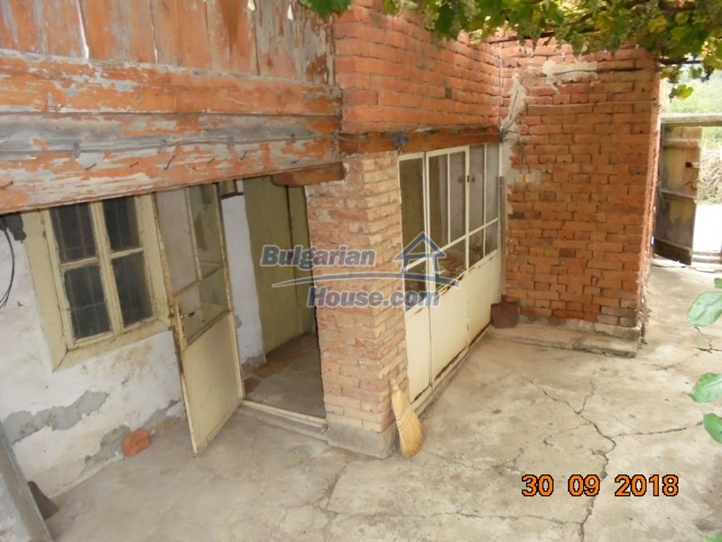 12814:10 - Exceptional offer - cheap Bulgarian house good condition Popovo