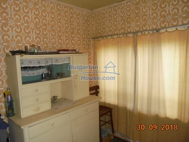 12814:16 - Exceptional offer - cheap Bulgarian house good condition Popovo