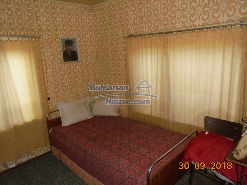 12814:18 - Exceptional offer - cheap Bulgarian house good condition Popovo
