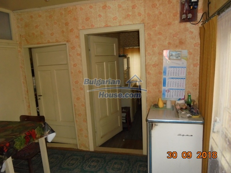 12814:23 - Exceptional offer - cheap Bulgarian house good condition Popovo