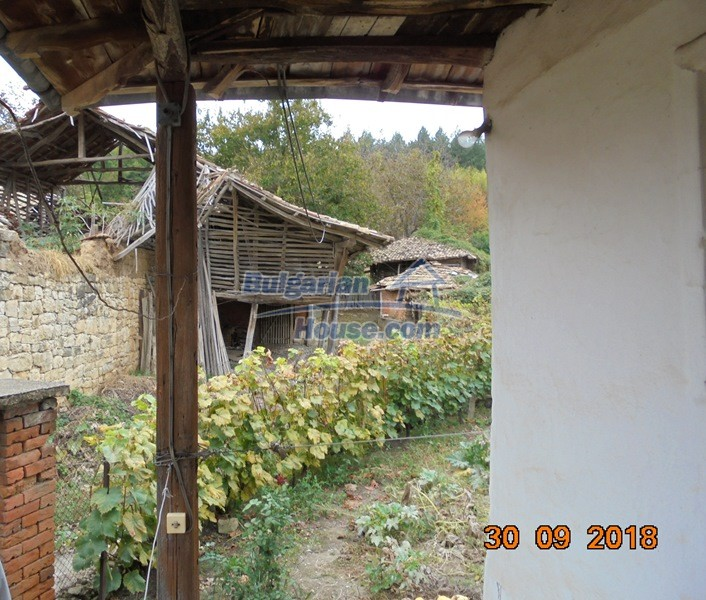 12814:25 - Exceptional offer - cheap Bulgarian house good condition Popovo