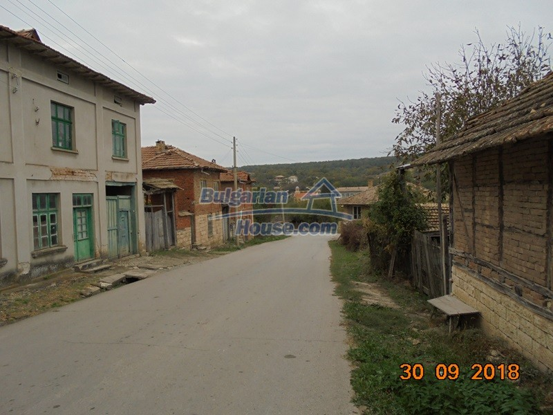 12814:32 - Exceptional offer - cheap Bulgarian house good condition Popovo