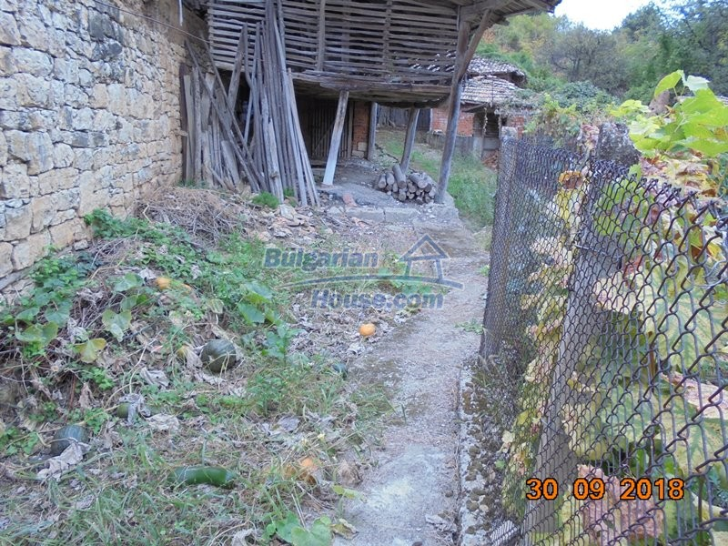 12814:28 - Exceptional offer - cheap Bulgarian house good condition Popovo
