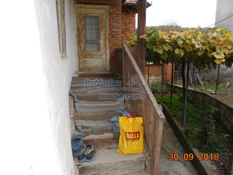 12814:30 - Exceptional offer - cheap Bulgarian house good condition Popovo