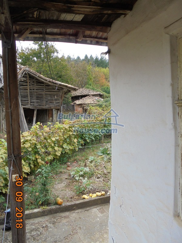 12814:42 - Exceptional offer - cheap Bulgarian house good condition Popovo