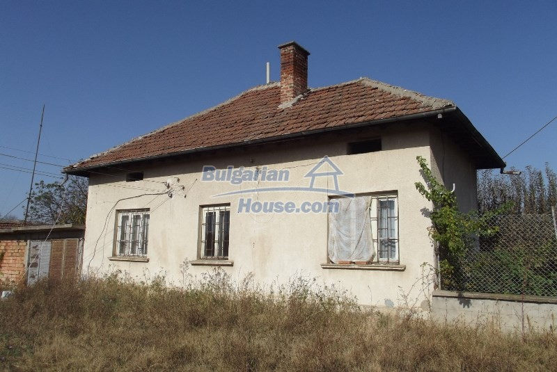 12819:2 - Bulgarian house in good livable condition Vratsa region