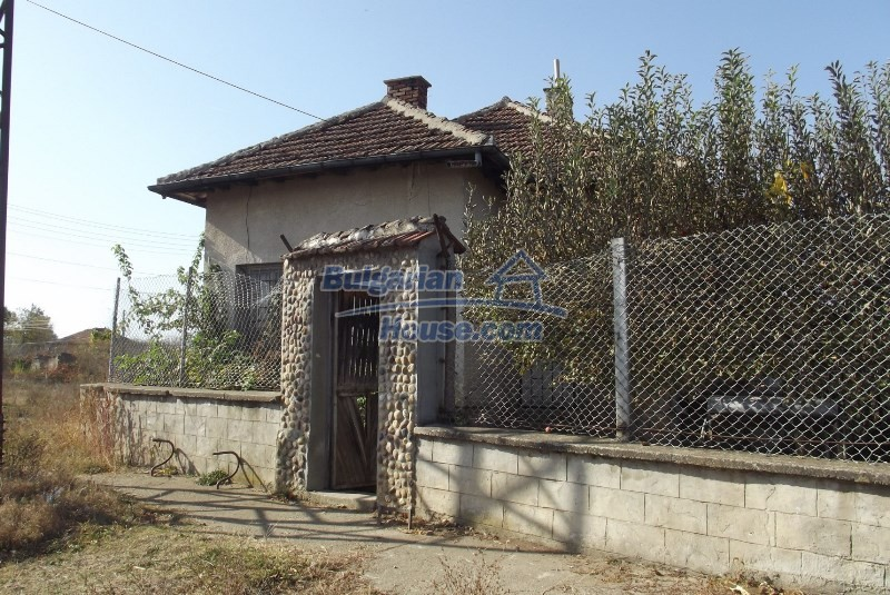 12819:6 - Bulgarian house in good livable condition Vratsa region