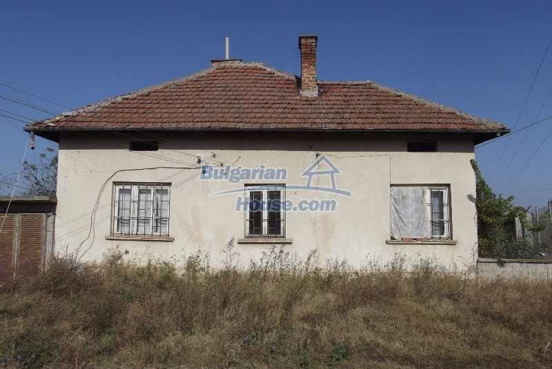 12819:3 - Bulgarian house in good livable condition Vratsa region