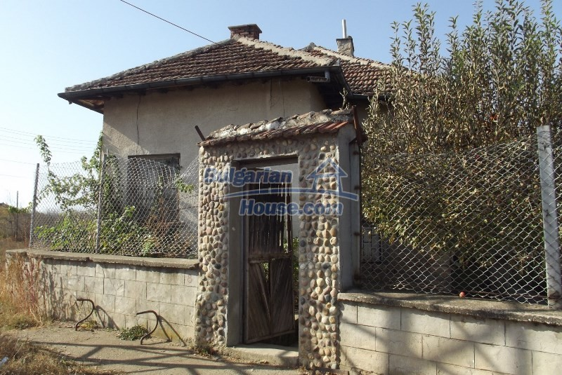 12819:7 - Bulgarian house in good livable condition Vratsa region