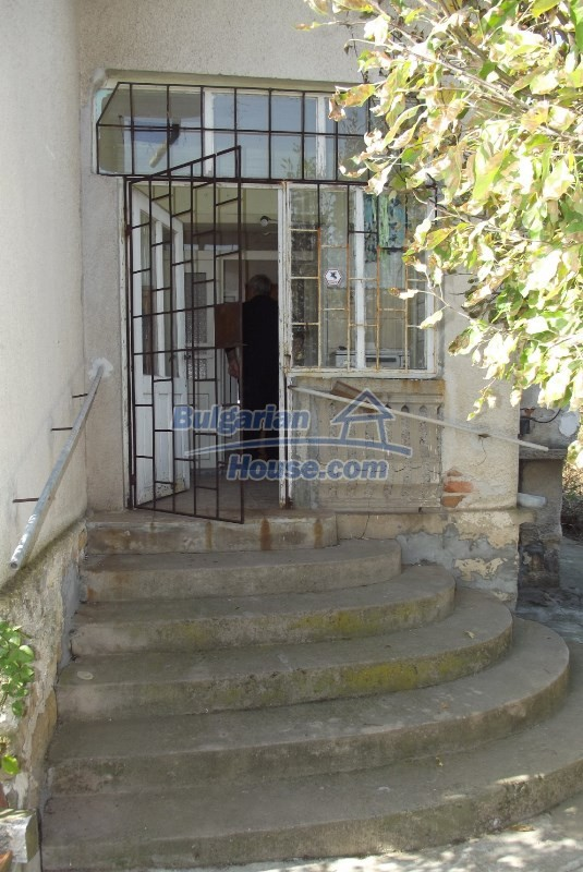 12819:11 - Bulgarian house in good livable condition Vratsa region