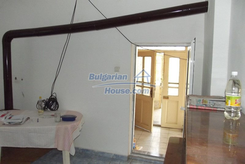 12819:21 - Bulgarian house in good livable condition Vratsa region