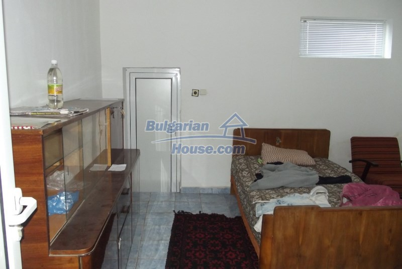 12819:19 - Bulgarian house in good livable condition Vratsa region