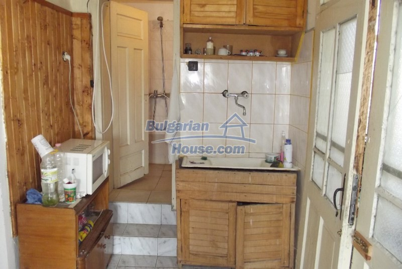 12819:17 - Bulgarian house in good livable condition Vratsa region