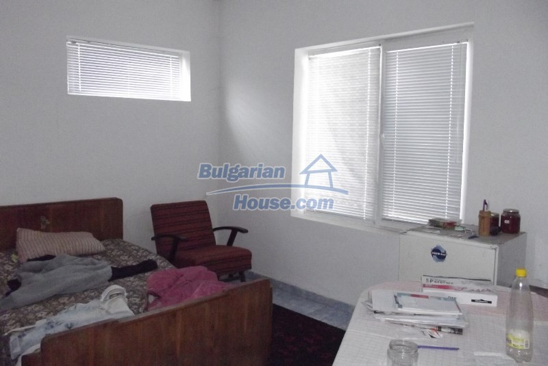 12819:20 - Bulgarian house in good livable condition Vratsa region