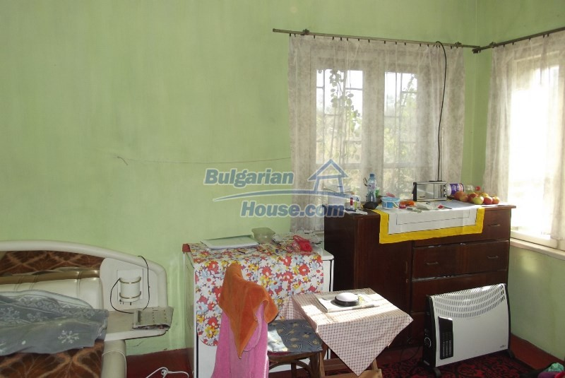 12819:24 - Bulgarian house in good livable condition Vratsa region