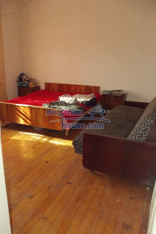 12819:28 - Bulgarian house in good livable condition Vratsa region