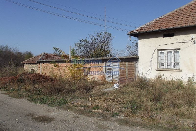 12819:40 - Bulgarian house in good livable condition Vratsa region