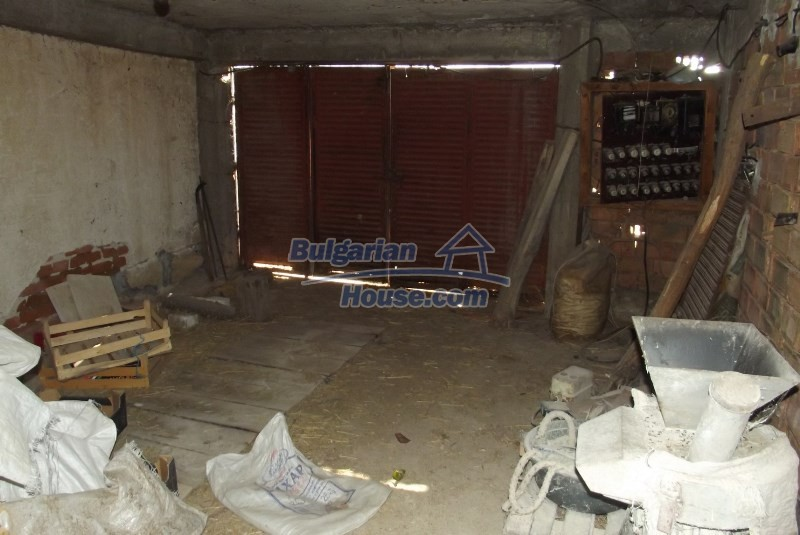 12819:42 - Bulgarian house in good livable condition Vratsa region