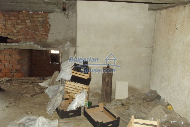 12819:43 - Bulgarian house in good livable condition Vratsa region