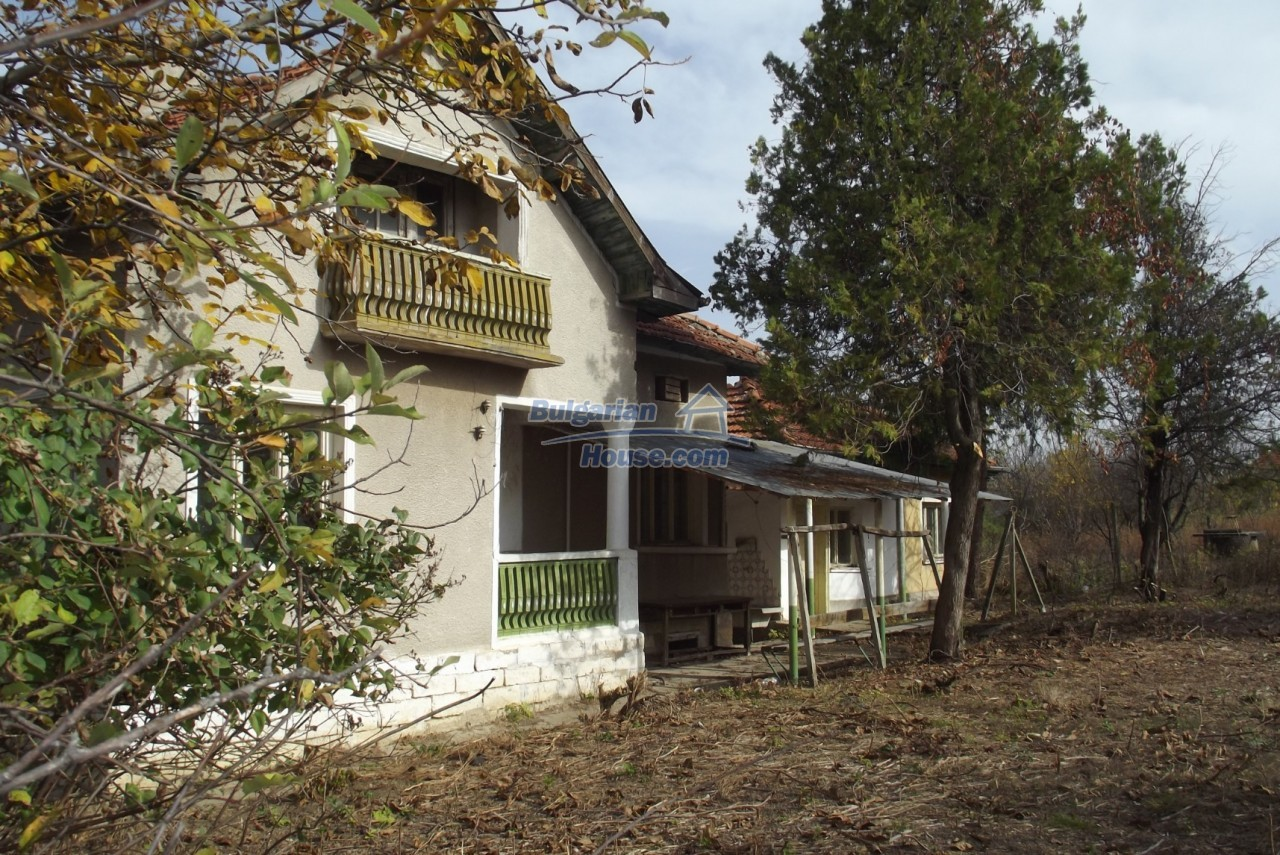 12822:4 - An old Bulgarian property for sale  spacious garden Vratsa