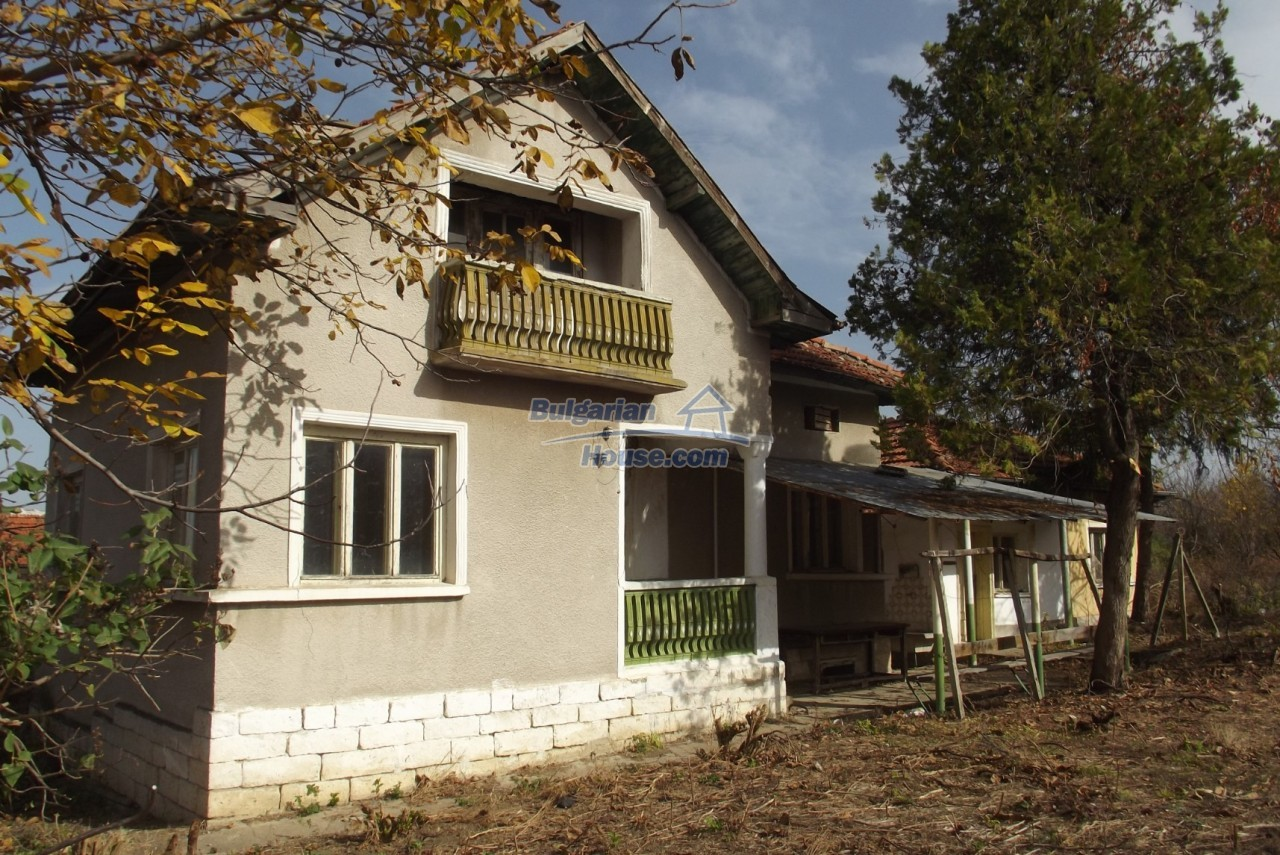12822:2 - An old Bulgarian property for sale  spacious garden Vratsa