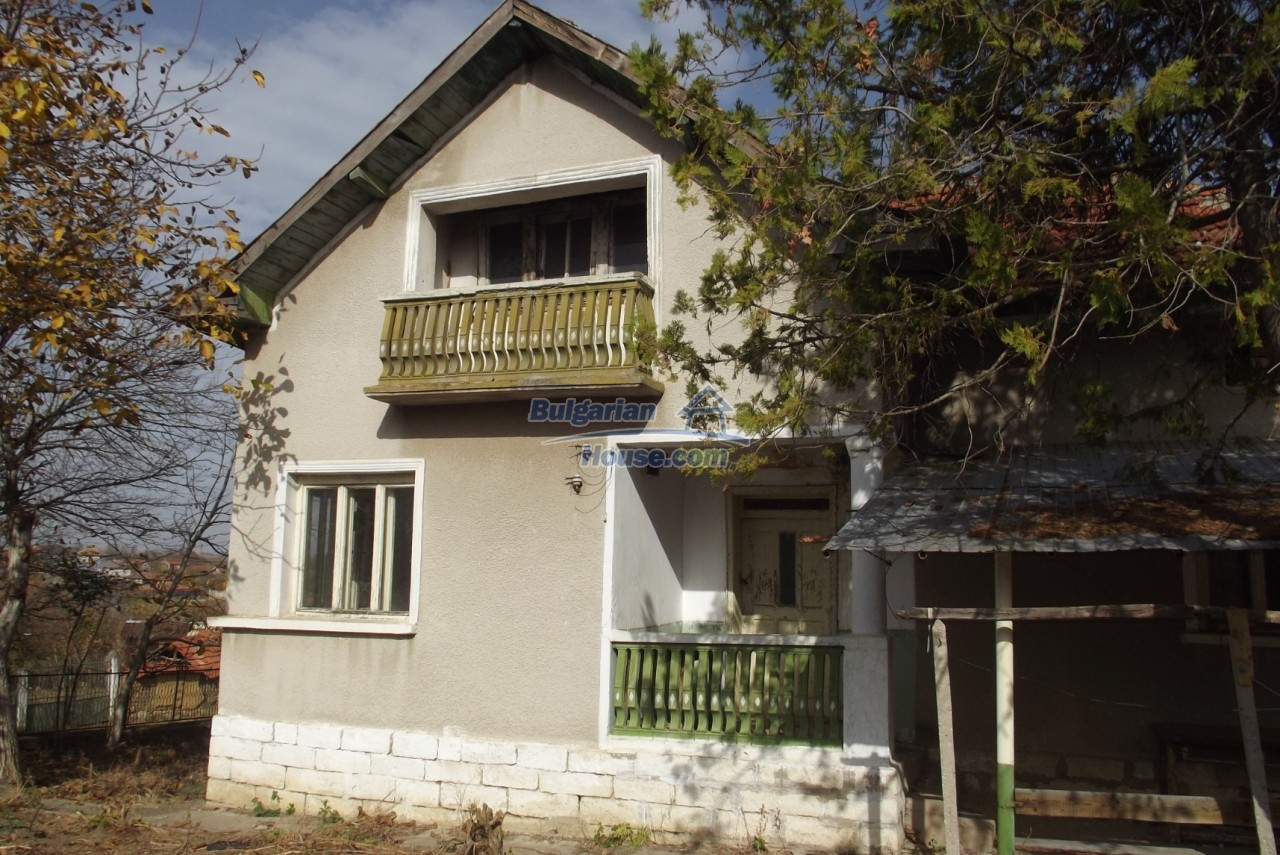 12822:5 - An old Bulgarian property for sale  spacious garden Vratsa