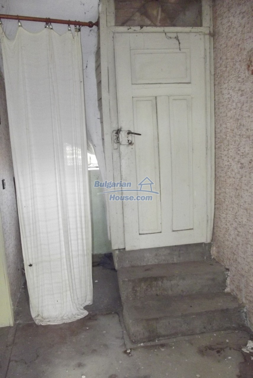 12822:9 - An old Bulgarian property for sale  spacious garden Vratsa