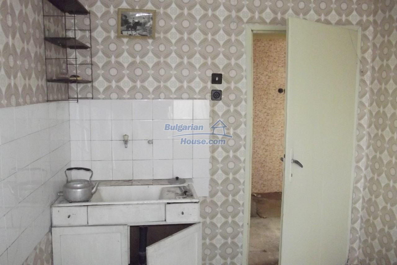 12822:19 - An old Bulgarian property for sale  spacious garden Vratsa