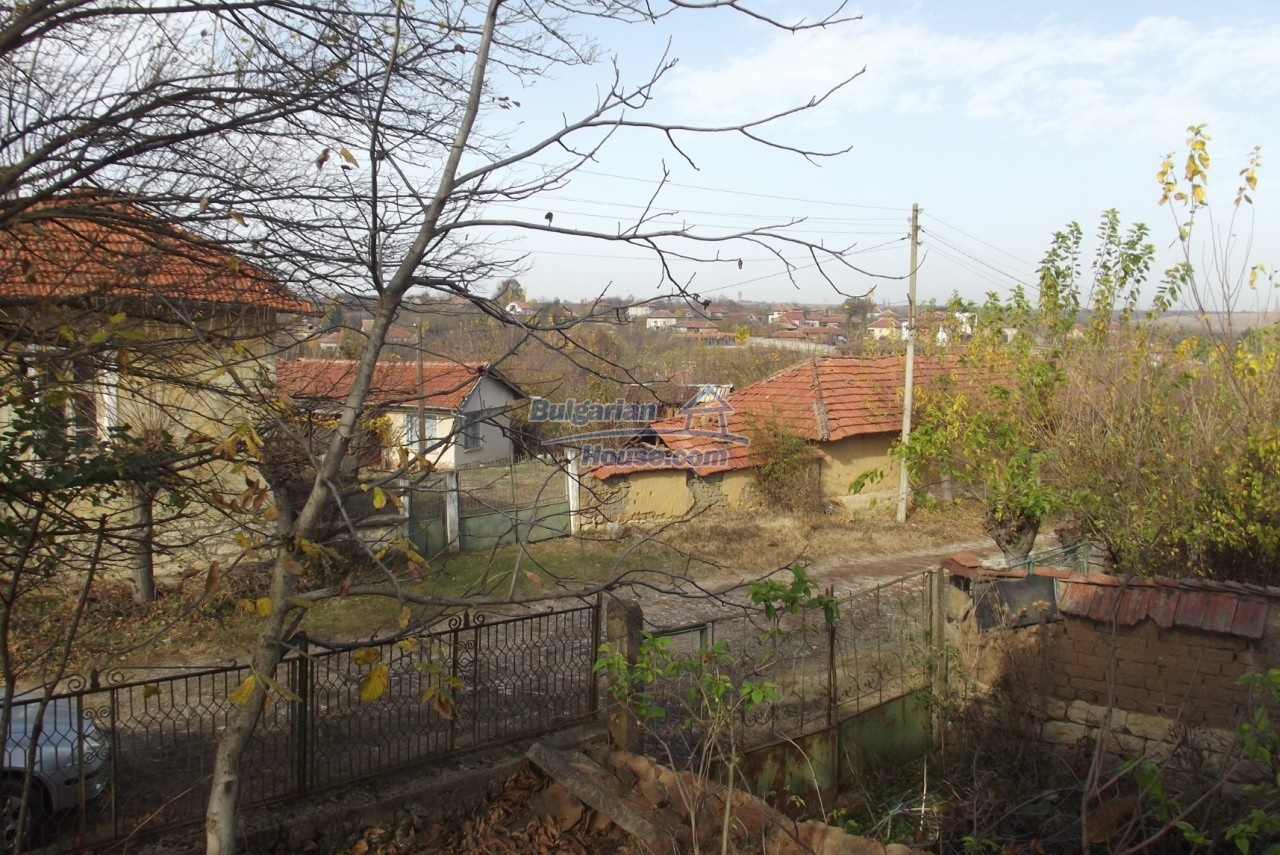 12822:35 - An old Bulgarian property for sale  spacious garden Vratsa