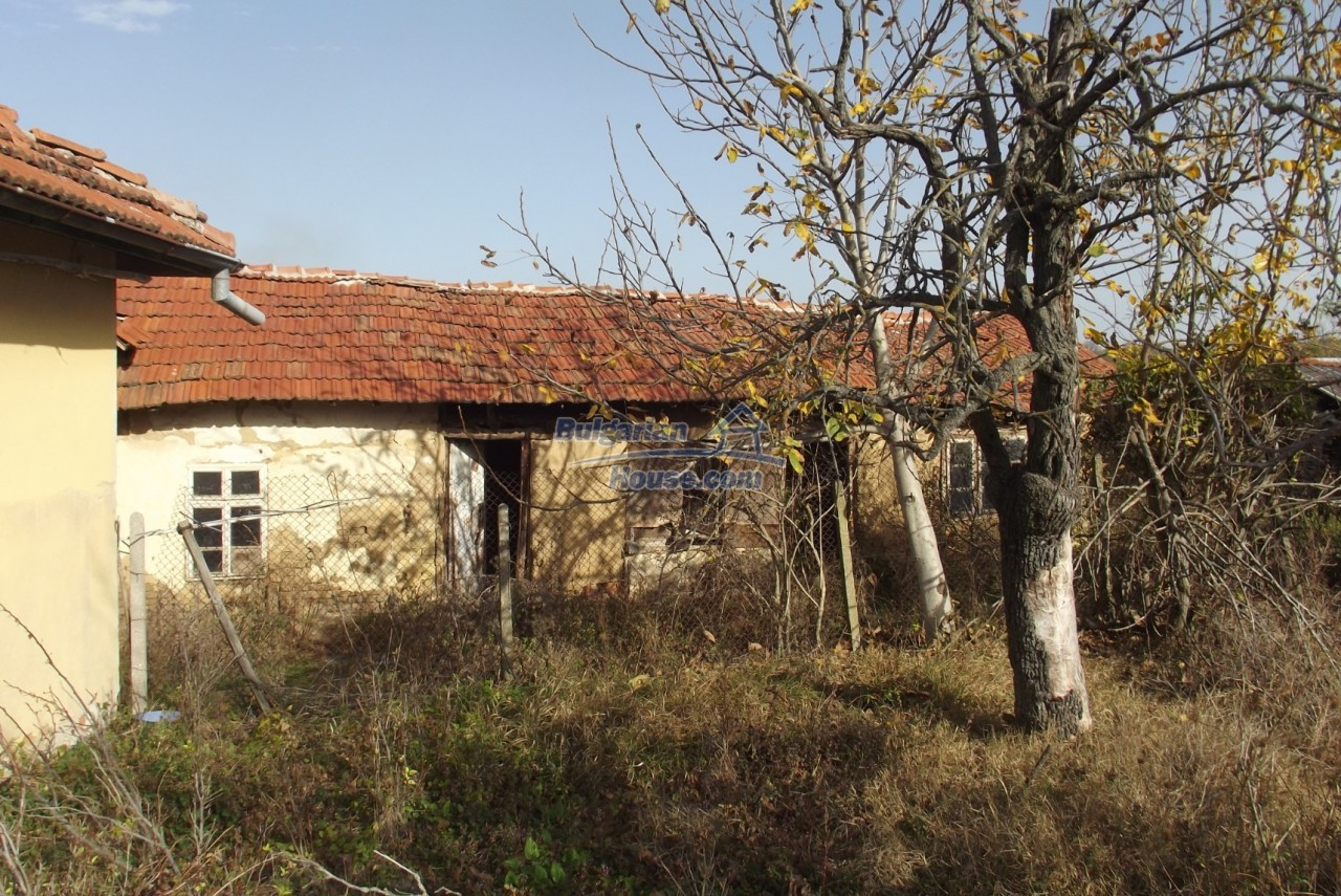12822:40 - An old Bulgarian property for sale  spacious garden Vratsa