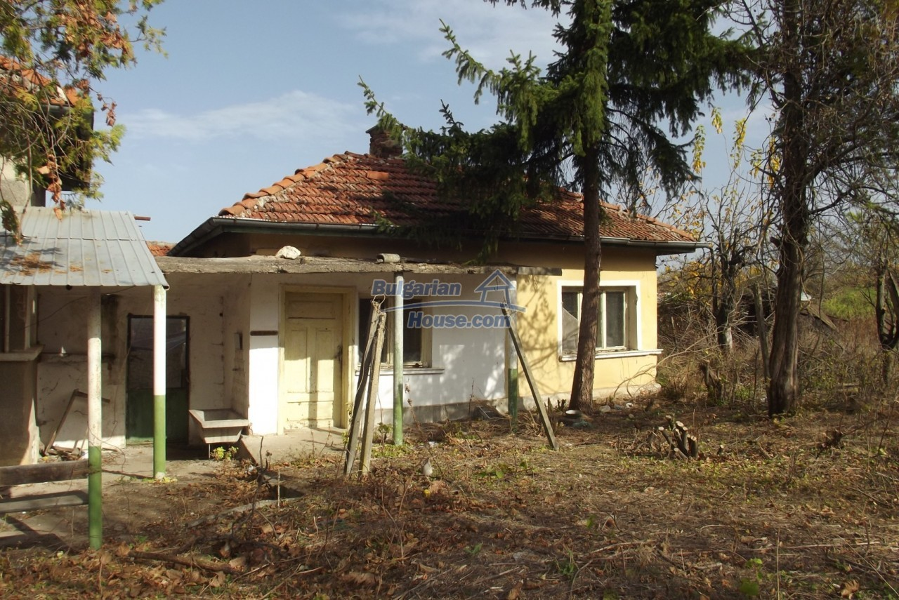 12822:47 - An old Bulgarian property for sale  spacious garden Vratsa