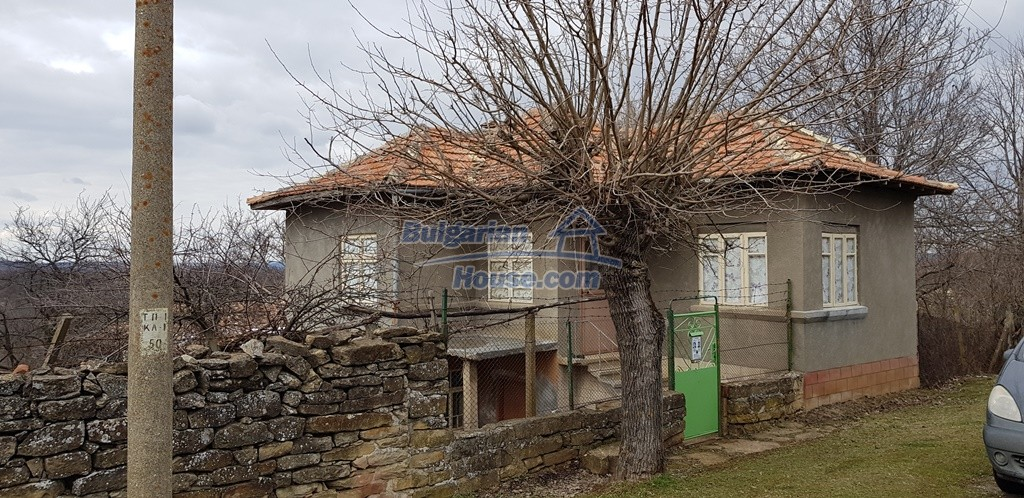 12823:1 - Cheap Bulgarian house with garden 5000sq.m next to lake