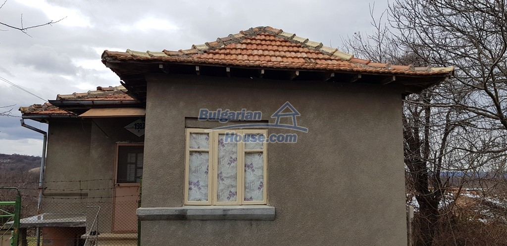 12823:12 - Cheap Bulgarian house with garden 5000sq.m next to lake