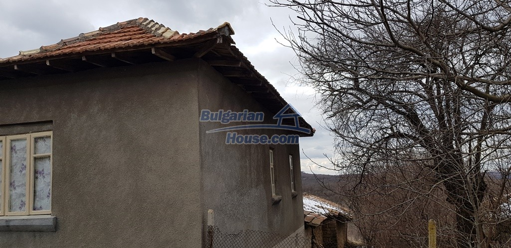 12823:14 - Cheap Bulgarian house with garden 5000sq.m next to lake