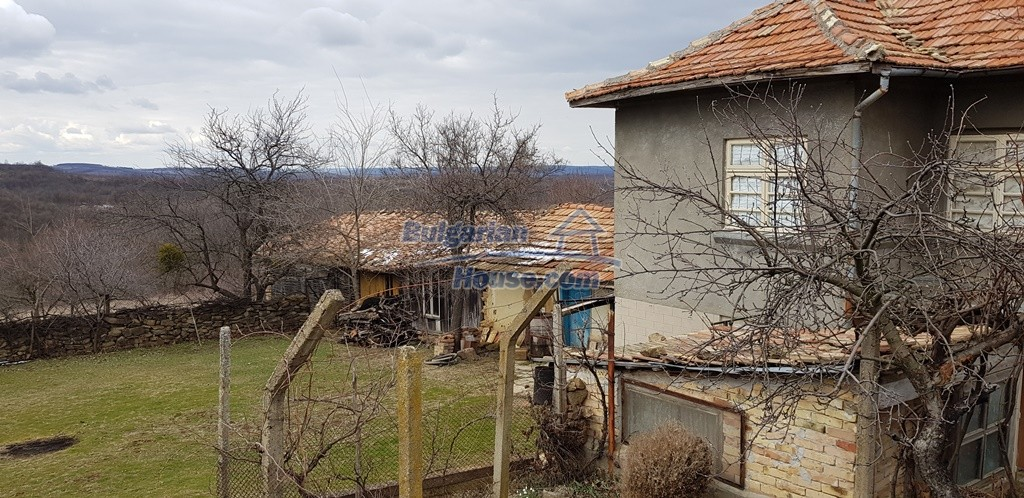 12823:5 - Cheap Bulgarian house with garden 5000sq.m next to lake