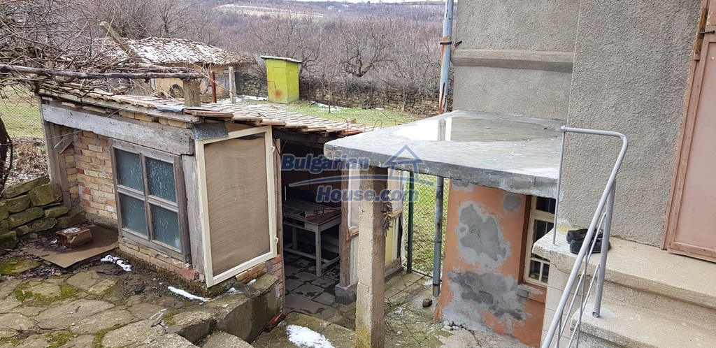 12823:18 - Cheap Bulgarian house with garden 5000sq.m next to lake