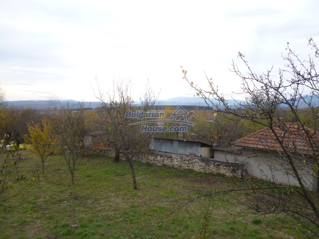 12827:35 - Home offering peaceful and relaxation only 5km from Mezdra